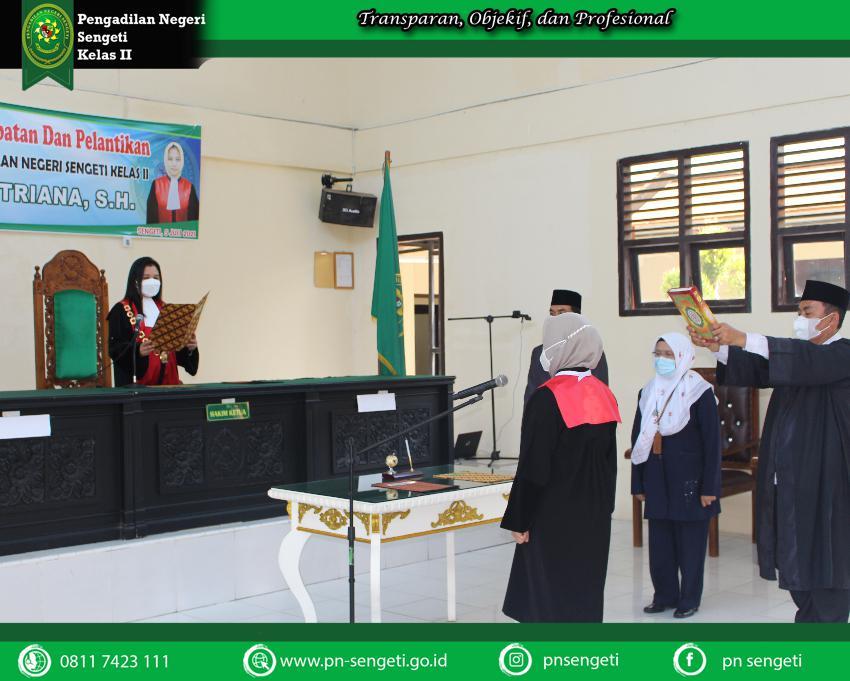 Pengambilan Sumpah Jabatan dan Pelantikan Ibu Fitria Septriana, S.H. Sebagai Wakil Ketua Pengadilan Negeri Sengeti Kelas II